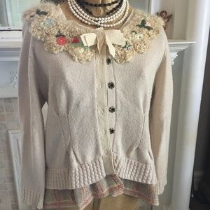 Pretty Anthropologie Sweater Size L